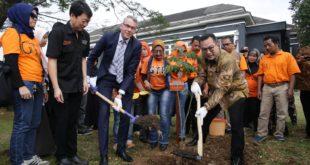 Alumni Belanda di Indonesia Kampanyekan  Love Nature, Create Future Lewat Kegiatan Tanam Pohon