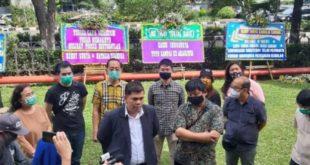 Dukung Polisi Usut Kasus  KSP Indosurya Cipta, Nasabah Kirim Bunga Ke Kantor  Bareskrim