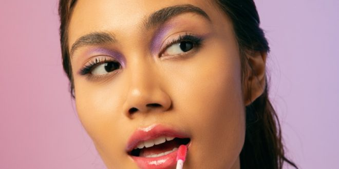 Heey, Selama Puasa Bibir Kamu Butuh Kandungan Hyaluronic Acid Agar  Tetap Terhidrasi